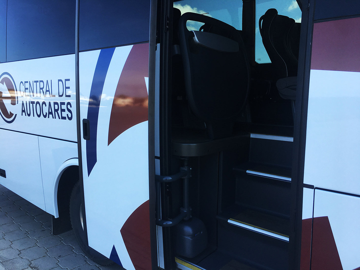 Hire of buses, coaches and minibuses in Menorca